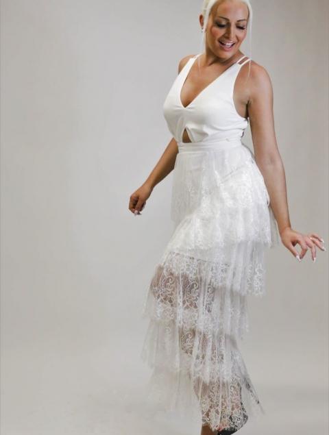 Άσπρο Φόρεμα Με Φούστα Δαντέλα