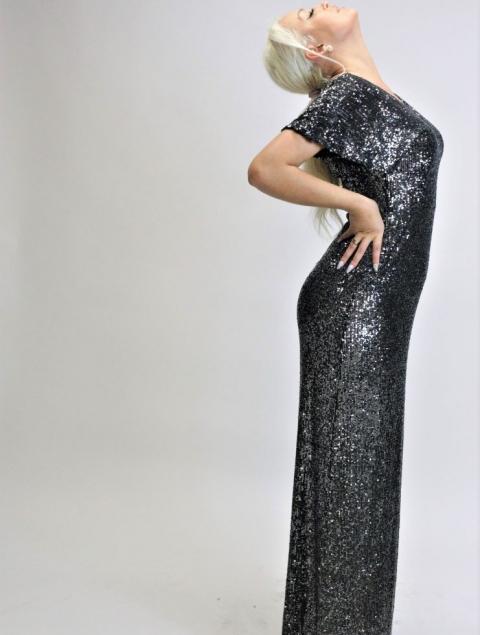 Εντυπωσιακό Ασημί Μακρύ Φόρεμα Όλο Παγιέτα